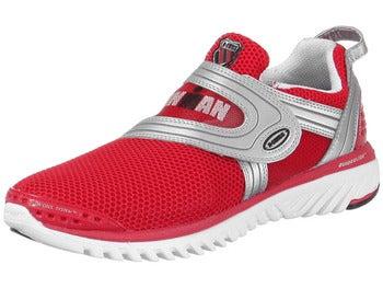 男人穿红色鞋子