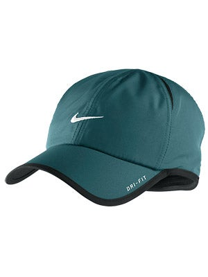 Nike Men's Feather Light Cap