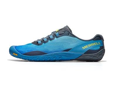 68e5e7de38aa A minimal running shoe